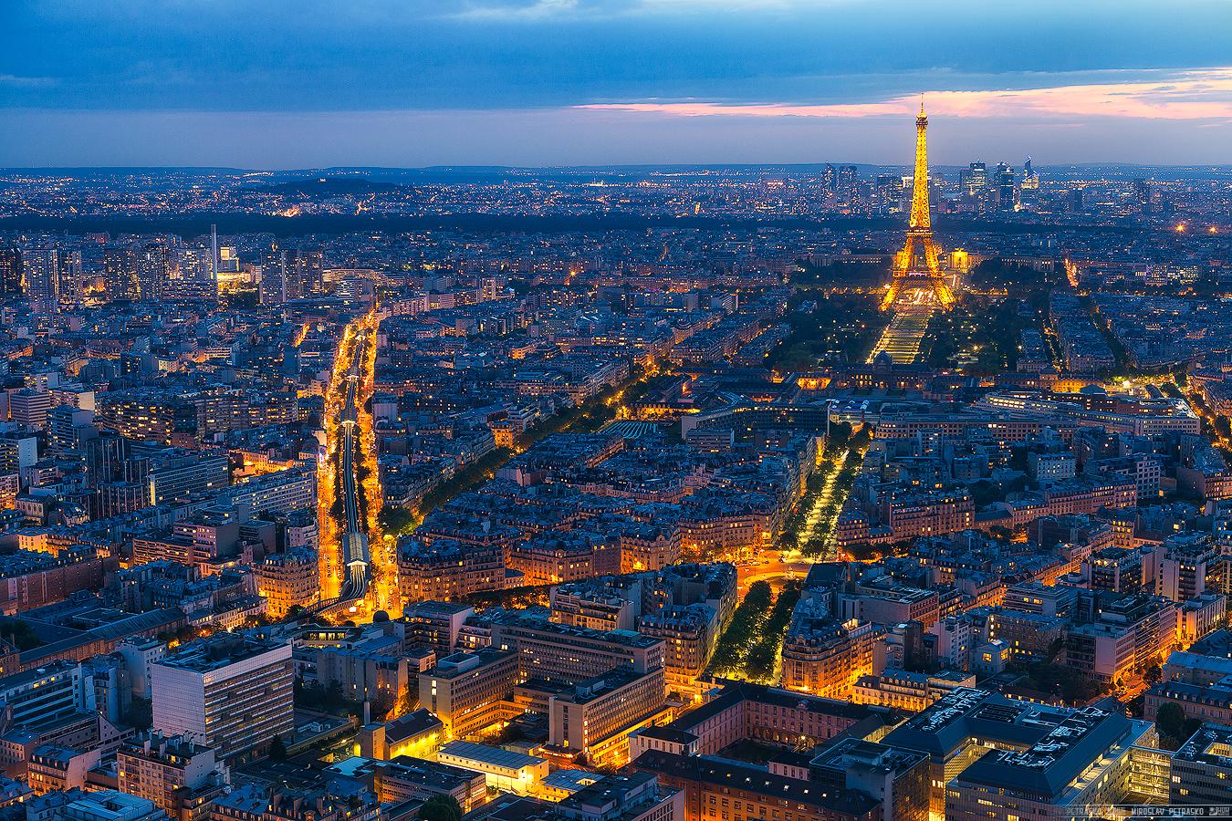 Vì sao không có tòa nhà cao tầng nào tại trung tâm Paris?