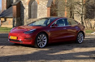 Tesla Model 3 : on a testé la botte secrète d'Elon Musk pour convertir...