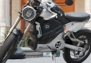 Test Super Soco TC Max : la moto électrique qui se rend indispensable