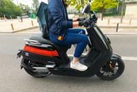 Les motos et scooters électriques autorisés à rouler sur les voies de bus en...